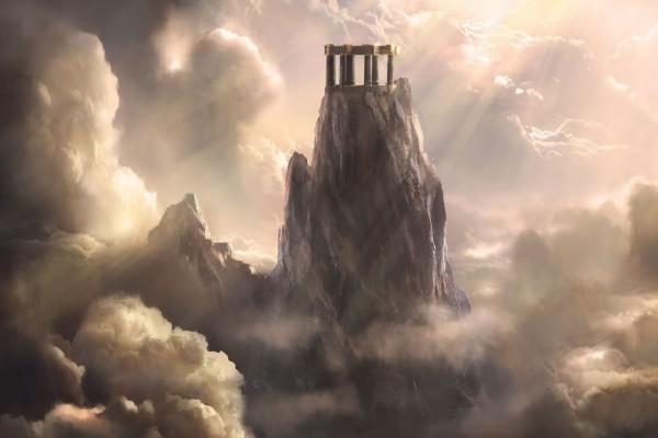 Sol y nubes junto a una fantástica roca