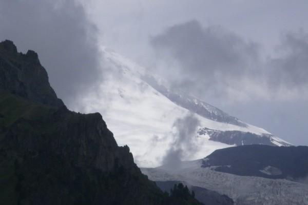 Día gris en las montañas
