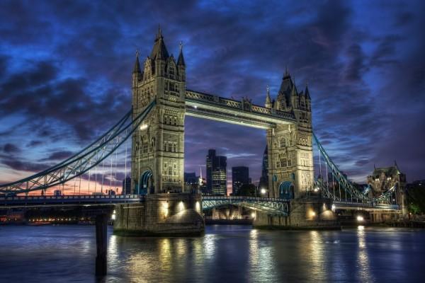 El Puente de la Torre al amanecer