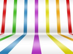Postal: Tiras de colores en un fondo blanco