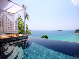 Piscina con espléndidas vistas al mar