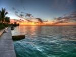 Hermoso amanecer visto desde la costa