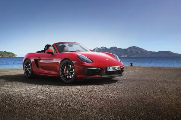 Un bonito Porsche rojo