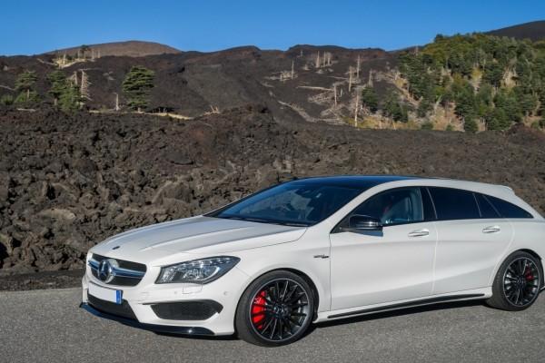 Mercedes Benz CLA 45 AMG blanco