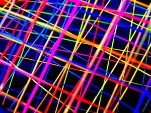Postal: Líneas de colores formando una estructura
