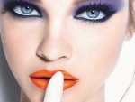 Barbara Palvin con maquillaje