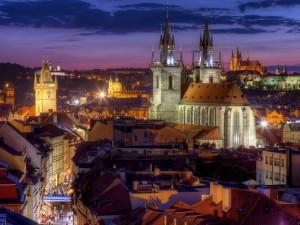 Postal: Luces en la noche de Praga