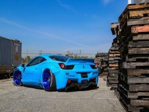 Postal: Ferrari 458 de color azul