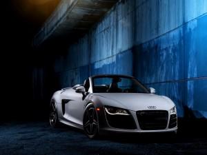 Postal: Audi R8 V10