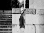 Imagen de una chica en blanco y negro
