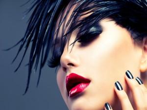 Postal: Chica maquillada
