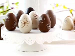 Postal: Huevos de chocolate para el día de Pascua