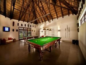 Mesas de billar en un gran salón