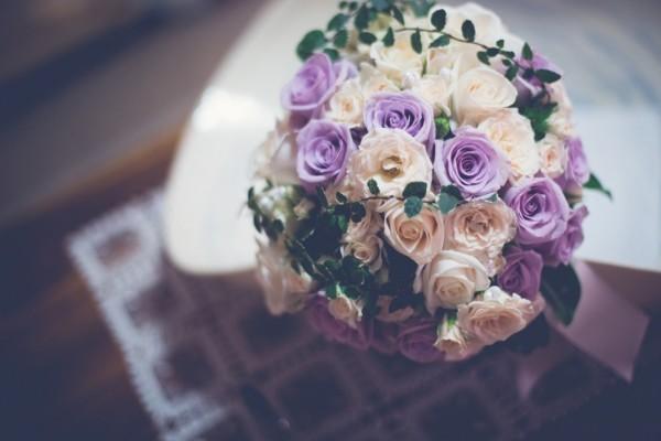 Bouquet de rosas para una novia