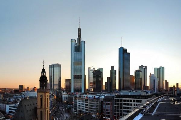 Frankfurt al amanecer