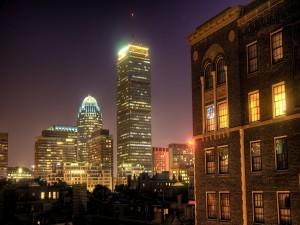 Edificios de una ciudad en la noche