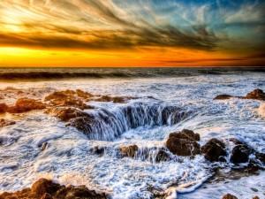 Postal: Agujero en el mar