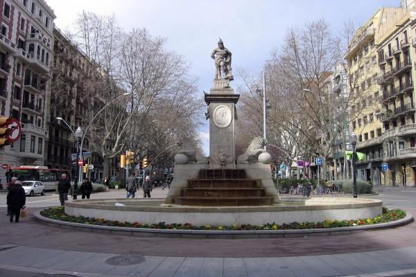 Fuente de Hércules en Barcelona (Josep Moret y Salvador Gurri)
