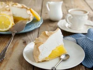 Postal: Pastel de limón y merengue para la hora del té