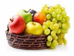 Frutas frescas en un bonito frutero