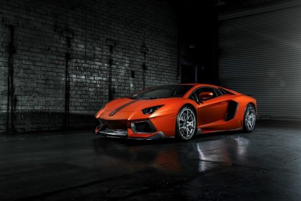 Lamborghini Aventador LP 700-4 naranja