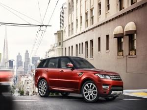 Postal: Range Rover en la calle de una gran ciudad