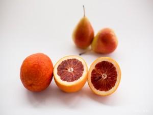 Naranja sanguina y peras