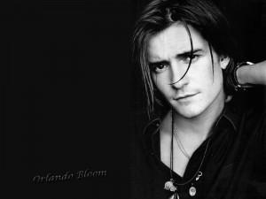 Imagen de Orlando Bloom en blanco y negro