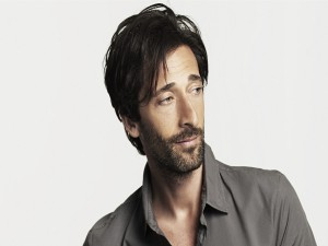 El actor Adrien Brody con barba