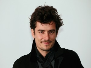 El actor Orlando Bloom sonriendo