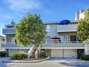 Espléndida casa con balcones