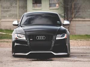 Audi S5 de color negro
