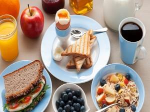 Desayuno variado y nutritivo