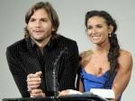 Ashton Kutcher junto a Demi Moore