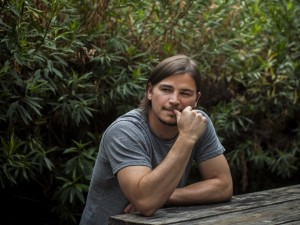 El actor y productor de cine Josh Hartnett