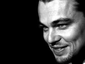 La sonrisa en blanco y negro de Leonardo DiCaprio