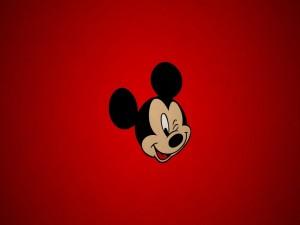 Mickey Mouse guiñando un ojo