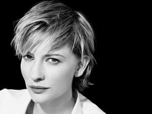 Cate Blanchett en una foto en blanco y negro