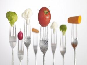 Tenedores con vegetales variados