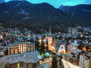 Zermatt un lugar para el turismo al pie de las montañas (Suiza)