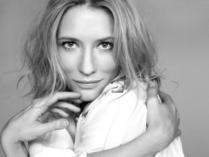 Bonita imagen en blanco y negro de la actriz Cate Blanchett