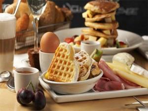 Varios alimentos para tomar en el desayuno