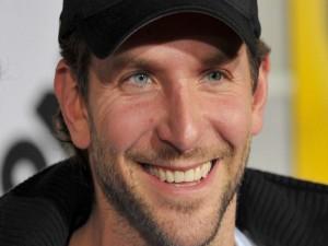 El actor Bradley Cooper con una gorra negra