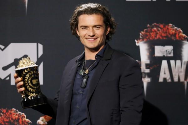 Orlando Bloom con un premio MTV Movie