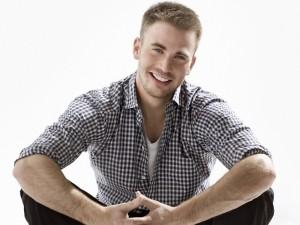 El guapo y sonriente Chris Evans