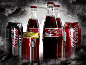 Latas y botellas de Coca-Cola
