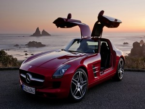 Mercedes SLS AMG de color rojo