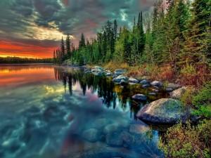 Cielo reflejado en un lago