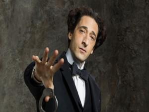 """Adrien Brody interpretando a """"Houdini"""""""