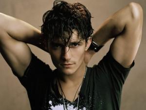 El guapo Orlando Bloom con el pelo mojado